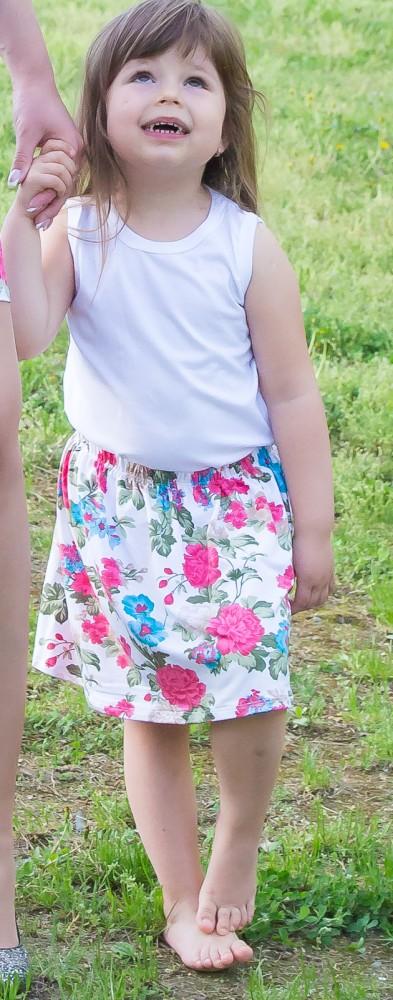 82ccbde20d Kislány szoknya - fehér alapon virágos - BabyMandarin - Saját ...