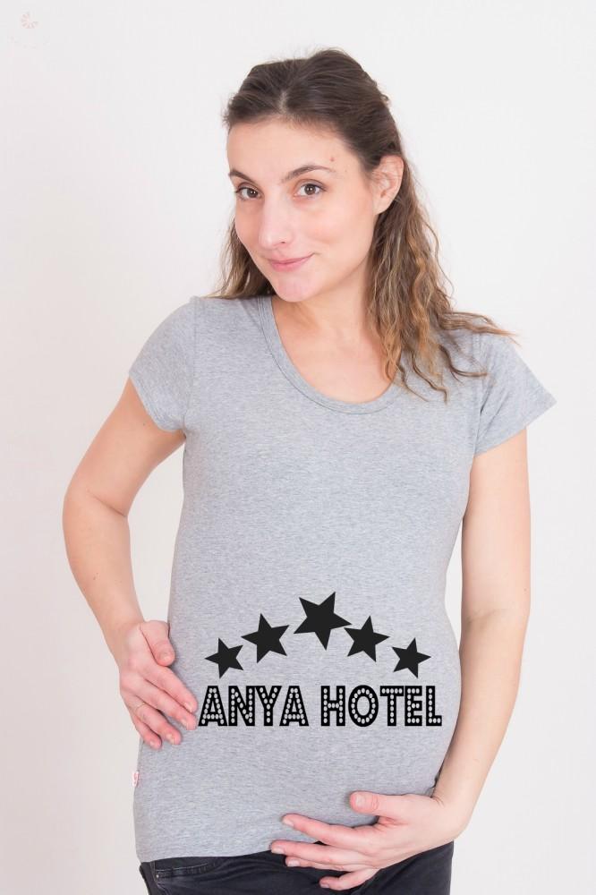 3461b6e49d Kismama póló (mintás, feliratos) - Anya Hotel - BabyMandarin - Saját ...