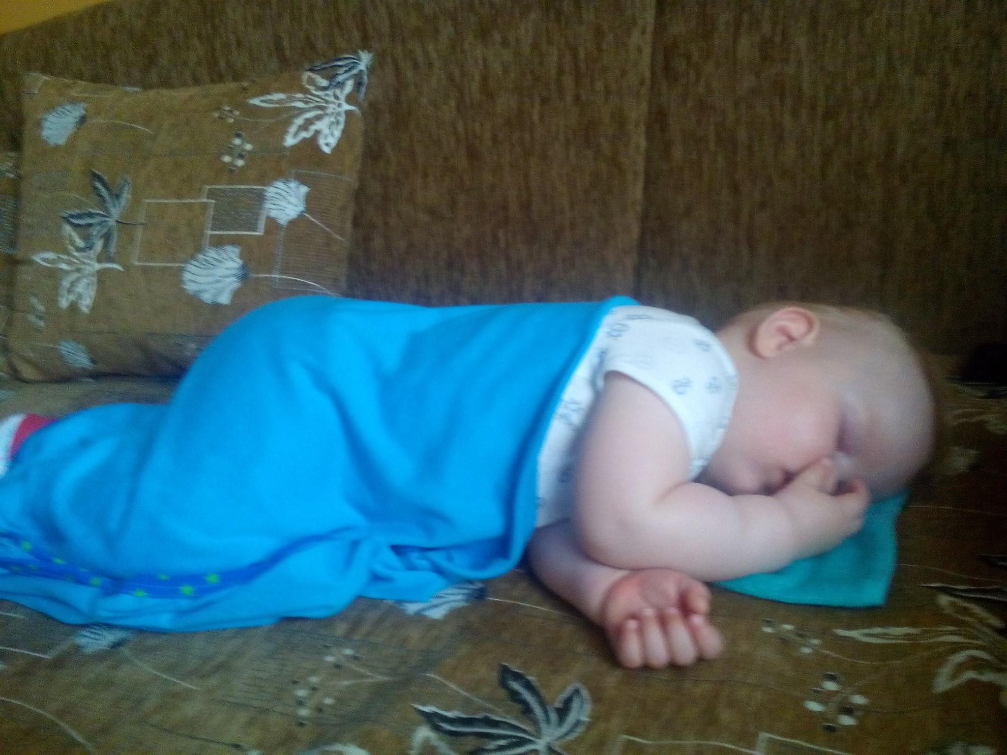 Levente nagyon édesen alszik