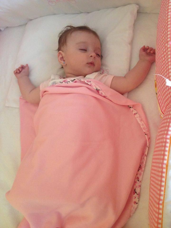 Lia nyugodtan alszik